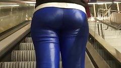 Hot girl in Shiny leggings